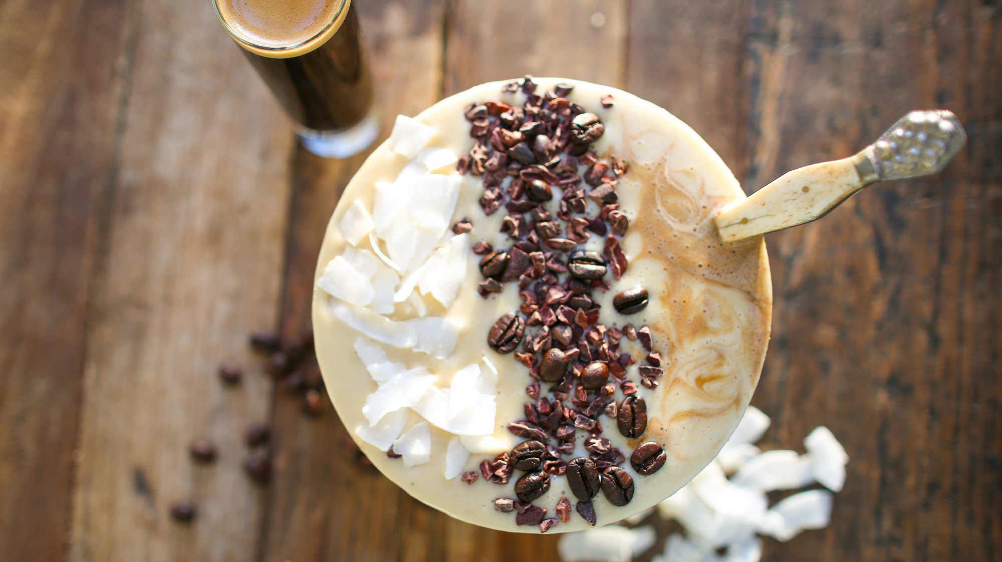 vailla-latte-smoothie-bowl-tone-it-up-protein-2