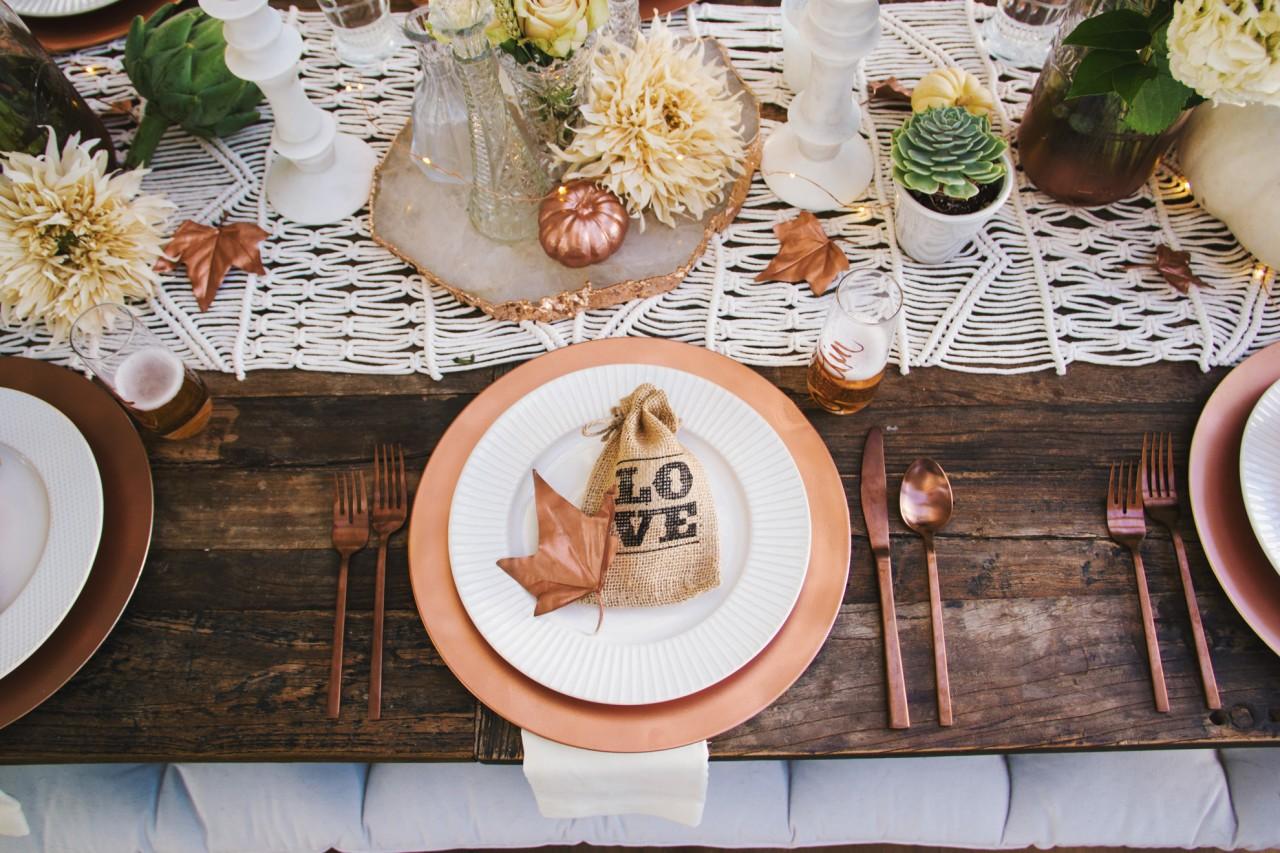 tone-it-up-thanksgiving-table-decor-katrina-3