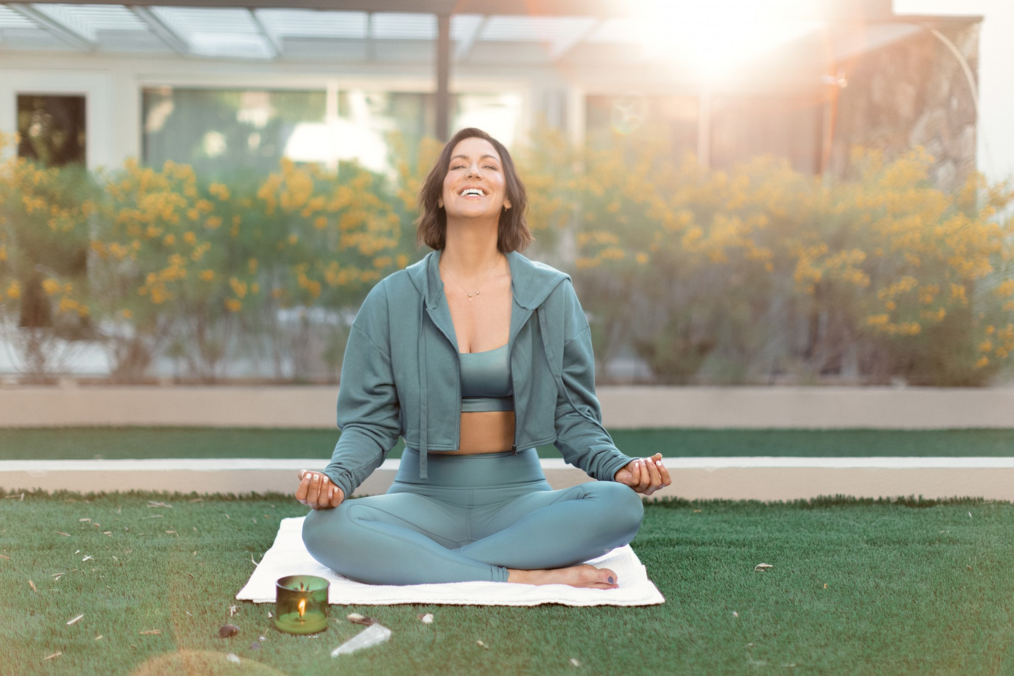 This morning mood booster guided meditation will make you feel happy, peaceful, and release stress.