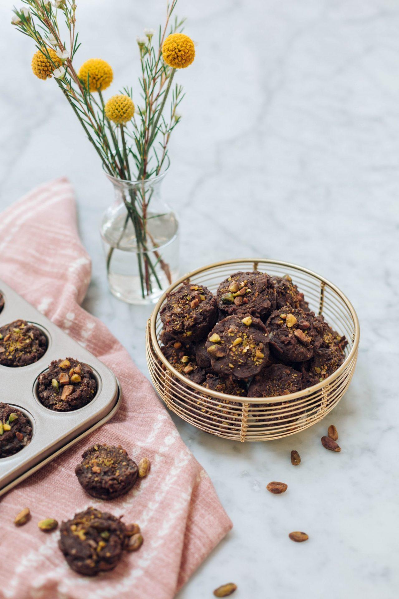 Peanut-ButterBanana-Chocolate-Mini-Muffins-06